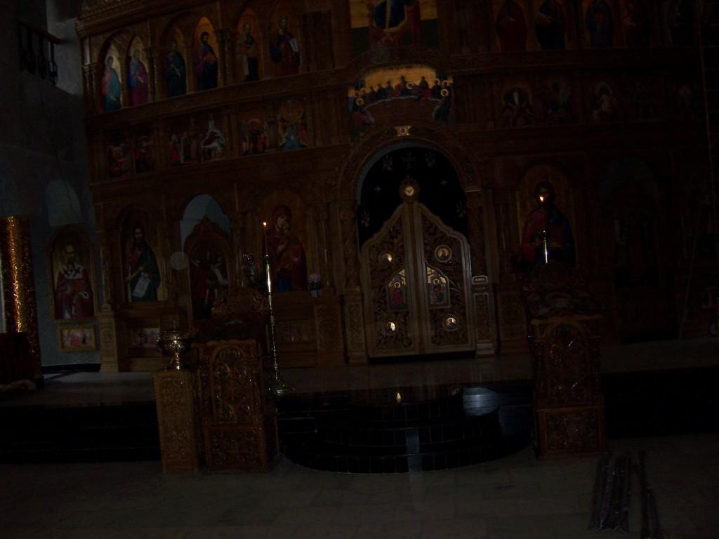 136 Visiting Mioveni church
