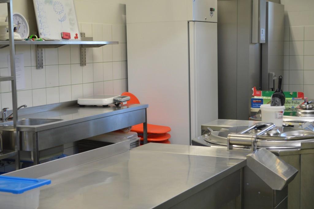 60 School kitchen