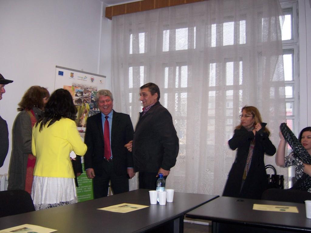76 Visiting Costesti Town Hall