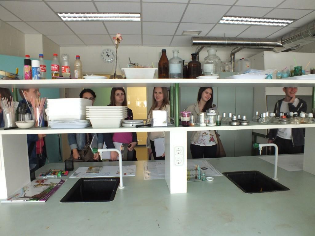 83 School lab