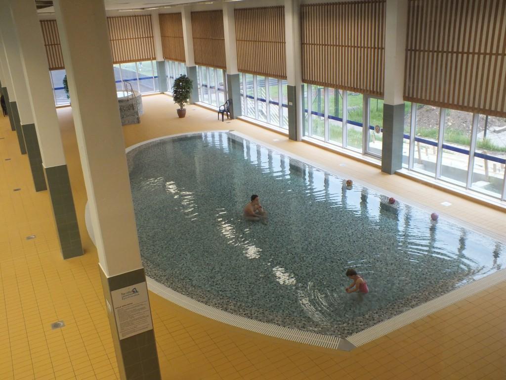 88 Swimming pool