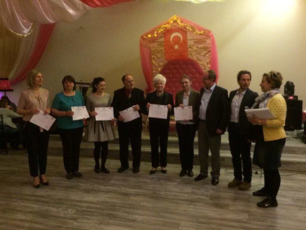 159 Presenting certificates