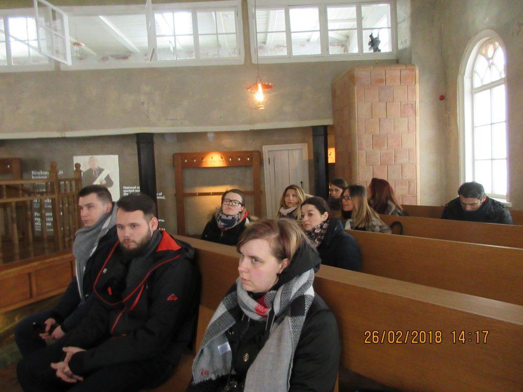 31. Tour around the synagogue