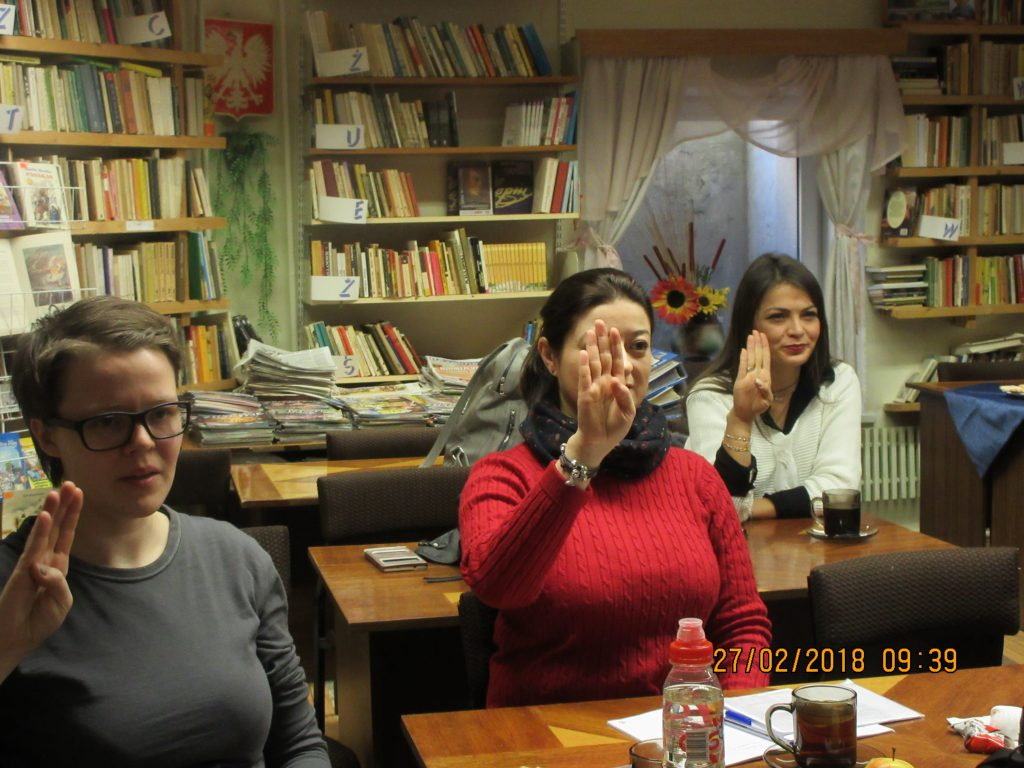 39. Learning the sign language