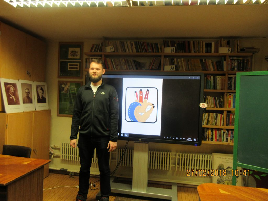 47. Learning the sign language