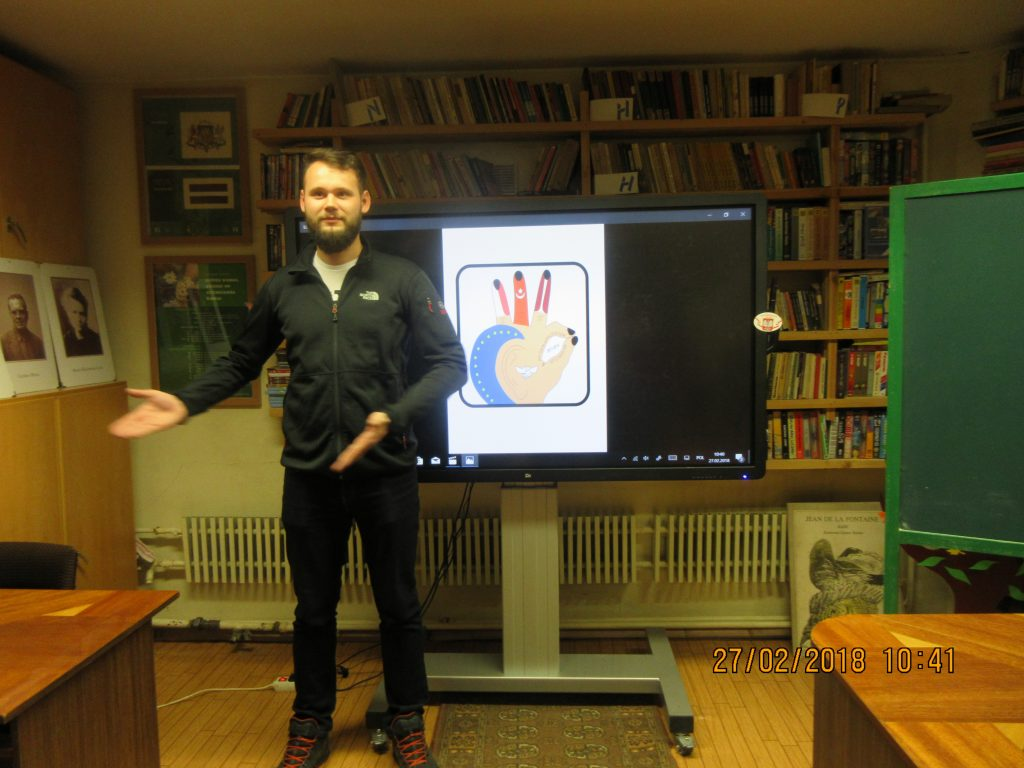 48. Learning the sign language